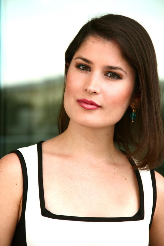 Arianne Alcorta, estudiante de origen venezolano ganadora de este año de la Beca de Periodismo, instaurada en memoriaCarlos M. Castañeda