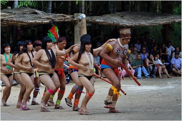 Indios  Kuikuro de Brasil. Foto: Wilfred Paulse